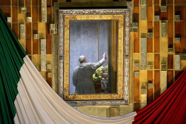 Pope Francis sits in a room behind the altar to pray before the image of Our Lady of Guadalupe while celebrating mass at the Basilica of Guadalupe in Mexico City, 13 February 2016. ANSA/ALESSANDRO DI MEO