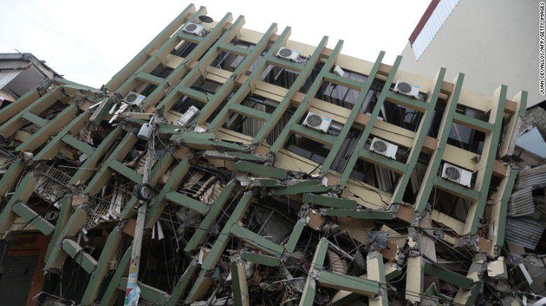 Một tòa nhà bị sập tại Poroviejo vào ngày 17/4