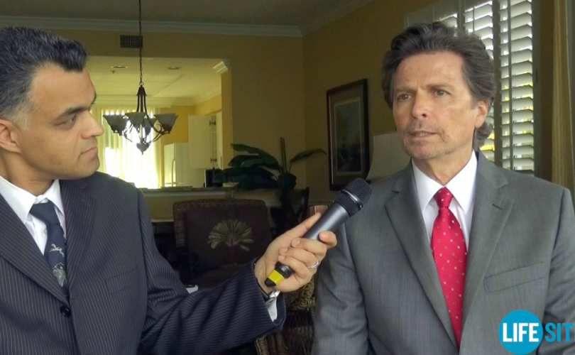 Darrow trả lời phỏng vấn của đài Lifesite News