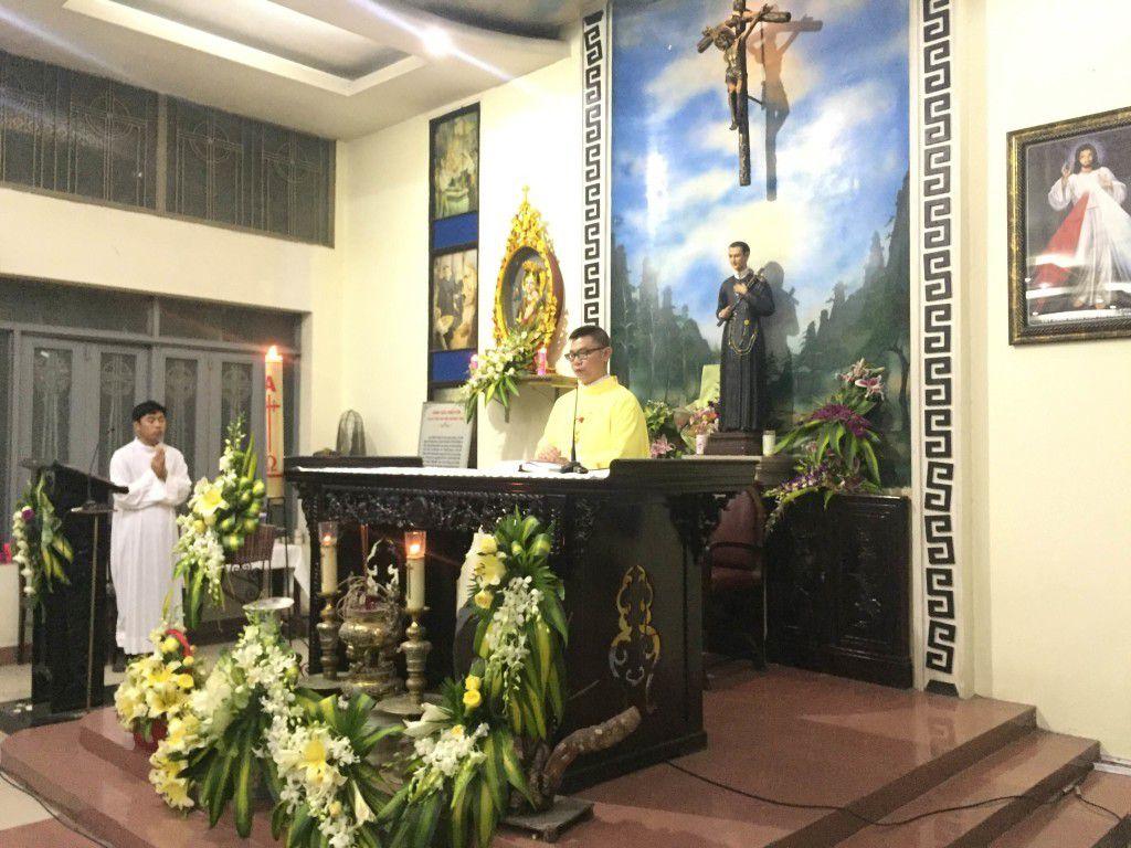 Cha Phanxicô X Nguyễn Kim Phùng phụ trách mục vụ bảo vệ sự sống tại Thái Hà