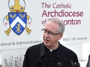 Đức cha Richard Smith, TGm giáo phận Edmonton, Canada (Ed Kaiser)