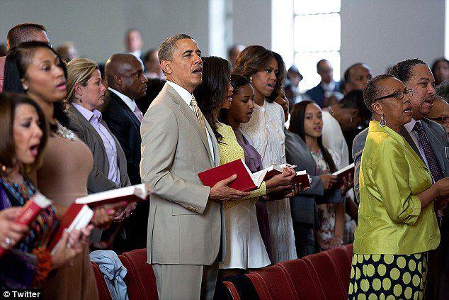 Tổng thống Obama tham dự Thánh lễ tại Nhà thờ cùng gia đình.