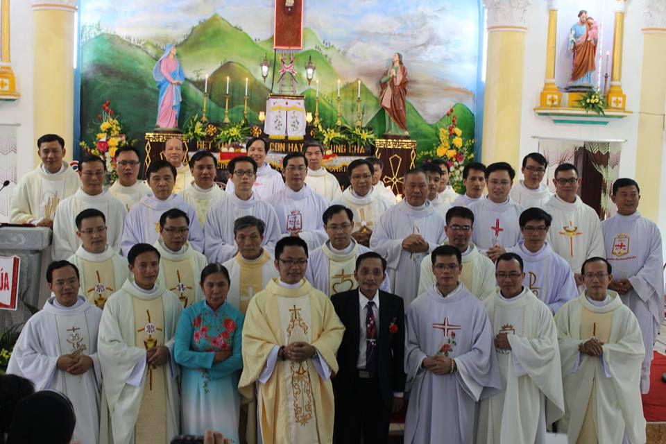 Linh mục Giuse Nguyễn Văn Tuân sinh năm 1980. Khấn trong DCCT năm 2008. Ngài là em trai của linh mục Phêrô Nguyễn Văn Khải, DCCT