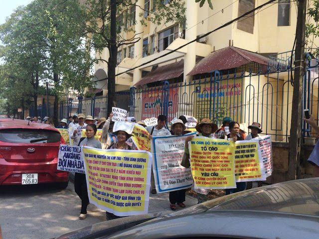 Những biểu ngữ dân oan muốn gửi đến Thủ tướng thông quan cuộc tuần hành ngày 26/8/2016 (ảnh: Facebook Đoàn Trương Vĩnh Phước)