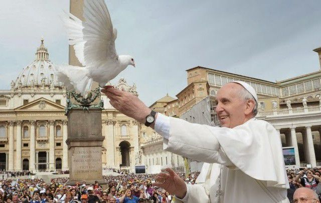 Pope Francis with Dove