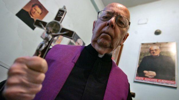 Cha Gabriele Amorth được biết đến là linh mục trừ quỷ có tiếng nhất với hơn 160.000 trường hợp.