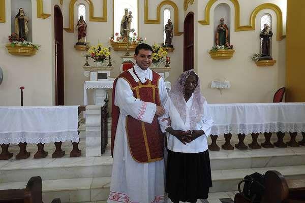 Rước lễ lần đầu lúc 101 tuổi!