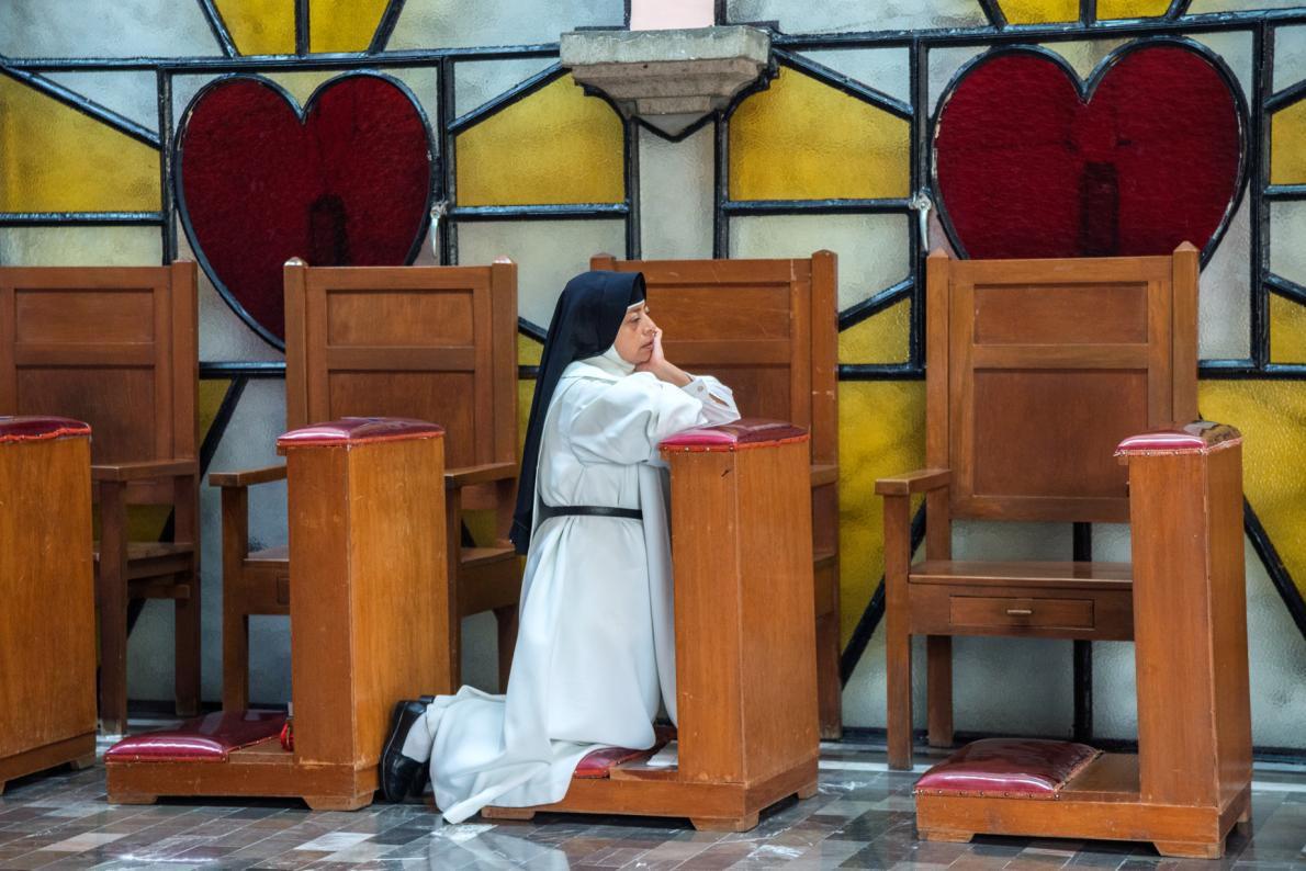 03b-nun-finishing-meditation-adapt-1190-1