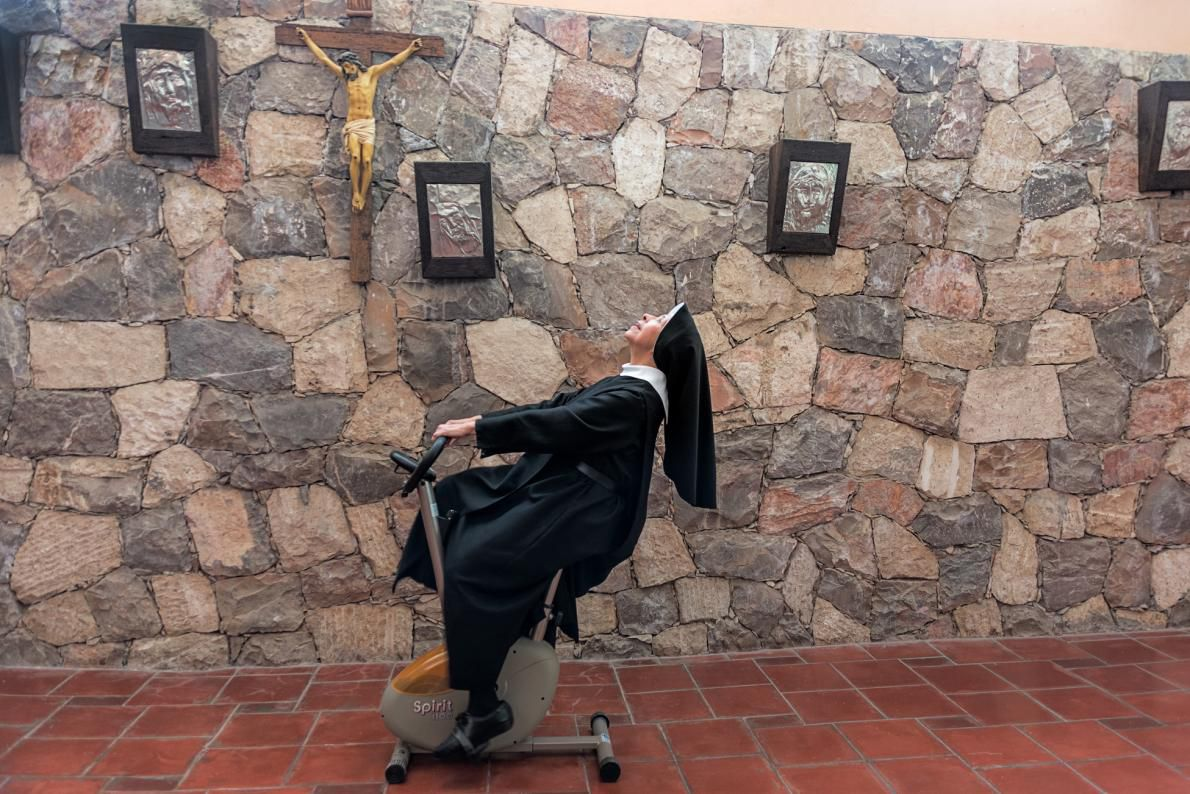 10-nun-workout-on-stationary-bike-adapt-1190-1