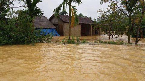 Trong vòng 15 ngày, Miền Trung, cụ thể là Quảng Bình và Hà Tĩnh gánh chịu hai đợt lũ lụt liên tiếp