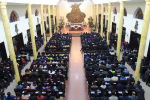 Khung cảnh trong lòng nhà thờ Thái Hà trong thánh lễ cầu cho công lý và hòa bình tối 26.02.2017