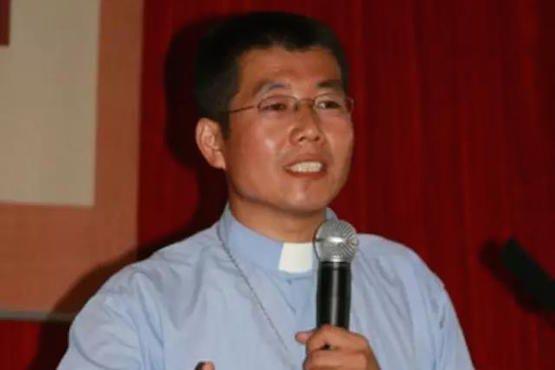 Công an Trung Quốc bắt giam cha Fei Jisheng thuộc giáo phận Liêu Ninh 6 tháng nay. Vị linh mục bị đem ra xét xử nhưng tòa không tuyên án. Ảnh: ucanews.com