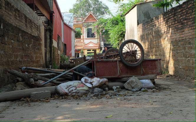 đường vào làng tại Đồng Tâm. Ảnh facebook
