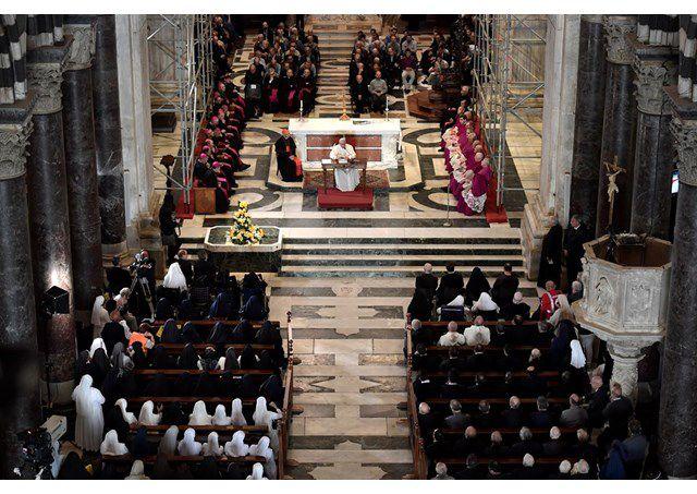 Đức Thánh Cha gặp gỡ các giáo sĩ, tu sĩ và chủng sinh ở Genova