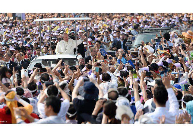 Đức Thánh Cha Phanxicô trong chuyến thăm Nam hàn năm 2014 - ANSA