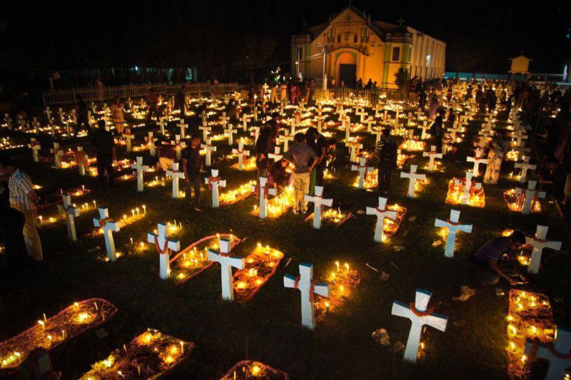 Ngày 02/11: Cầu cho các tín hữu đã qua đời